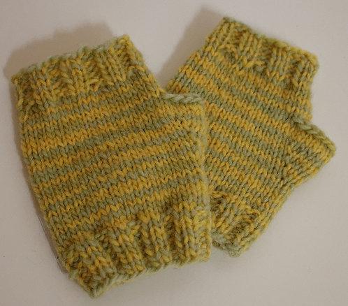 Manchettes tricotées à la main