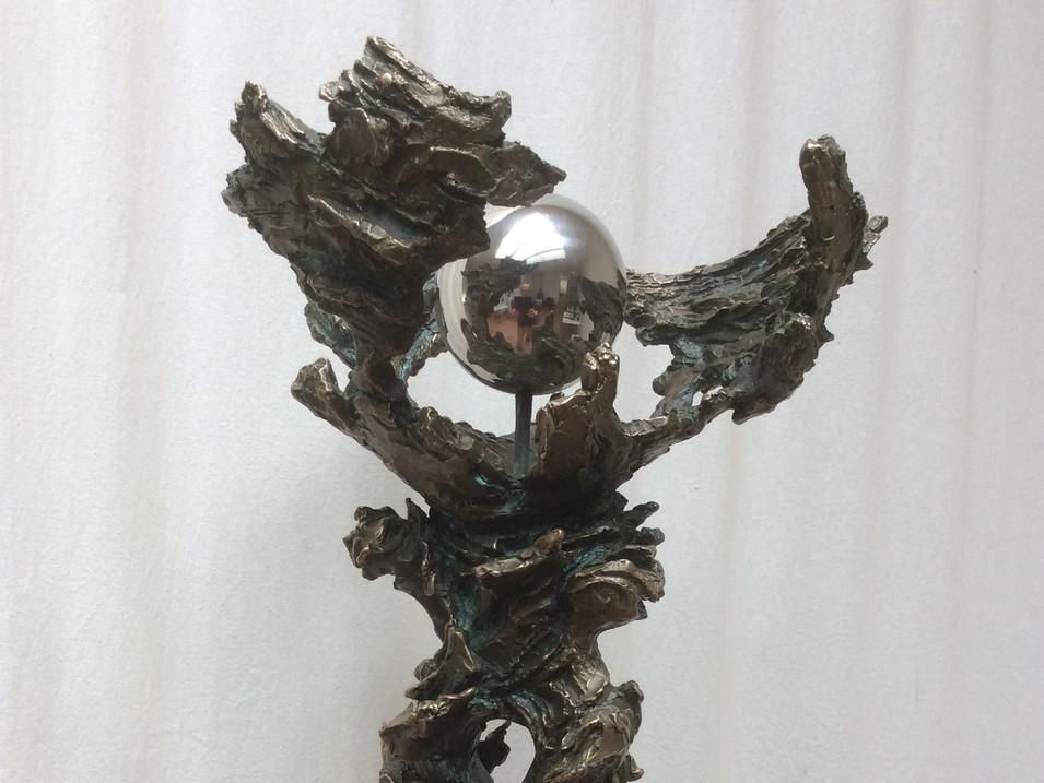 Jochen Schamal   Ein Gott - viel Krieg   2014   Bronzeguss   1/3   35 x 25 x 23 cm