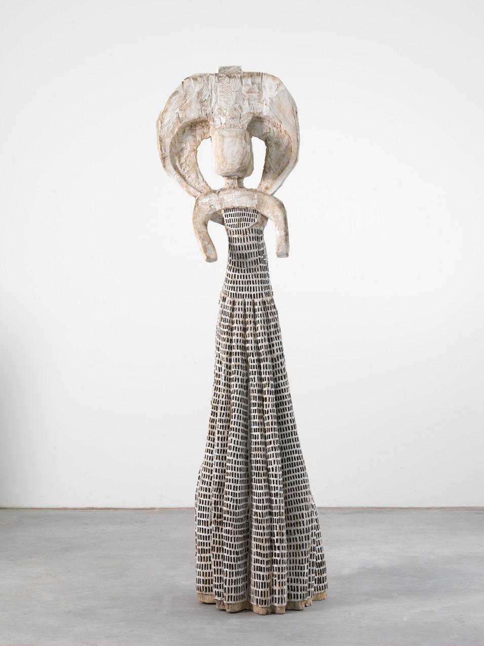 Klaus Hack | Große Kleidfigur | 2003-2007 | Holz | weiß gefasst | 202 x 53 x 47 cm | 23.000 Euro