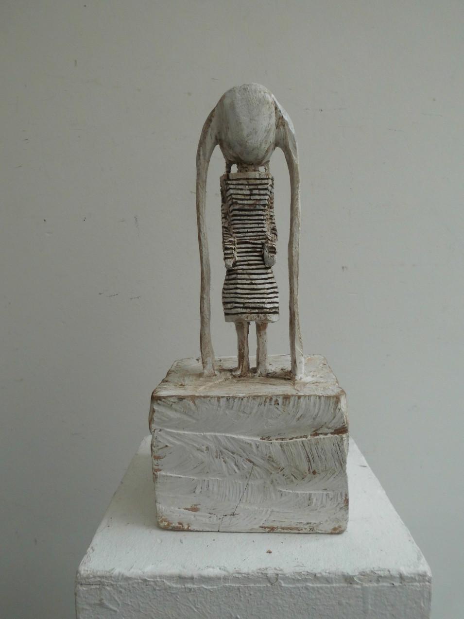 Klaus Hack | Ringelkleid mit Zöpfen | 2011 | Holz | weiß gefasst | 35,5 x 15,5 x 15 cm | 1500 Euro