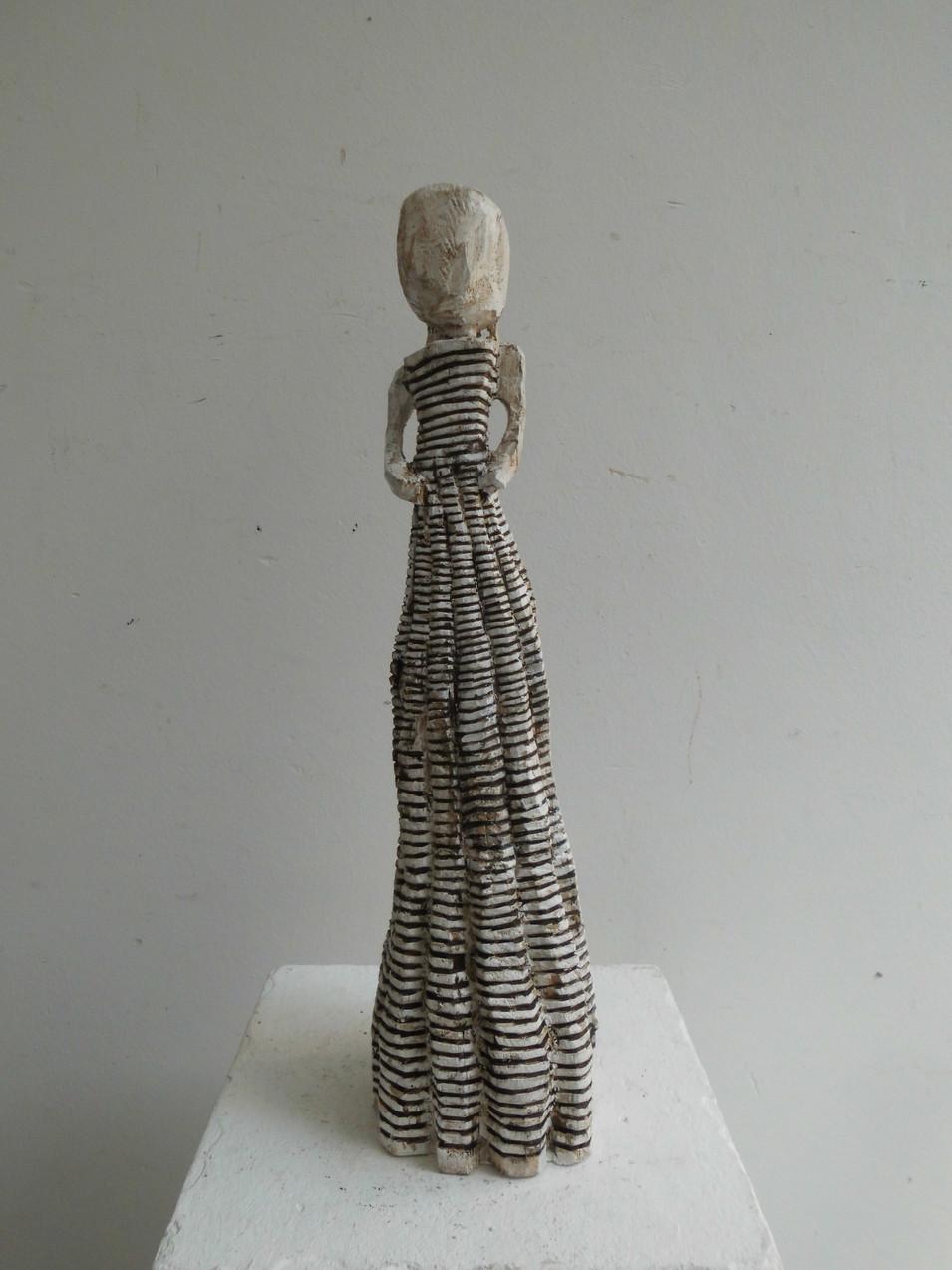 Klaus Hack | Kleidfigur (Ringelkleid) | 2011 | Holz | weiß gefasst | 43 x 11 x 10,5 cm | 1900 Euro
