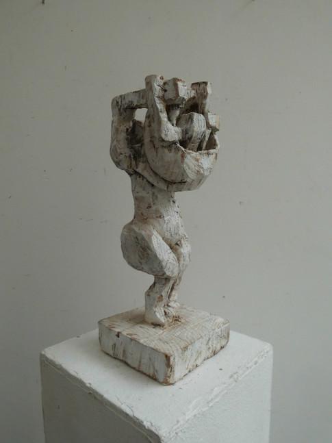 Klaus Hack | Weltenwechsler | 2010 | Holz | weiß gefasst | 37,5 x 14,5 x 14 cm | 2300 Euro