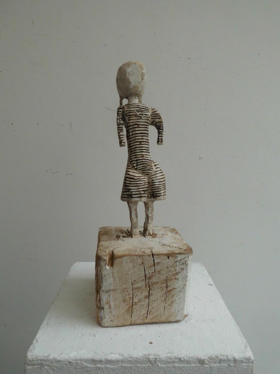 Klaus Hack | Kleine Tänzerin | 2011 | Holz | weiß gefasst | 34 x 12,5 x 13 cm | 1500 Euro
