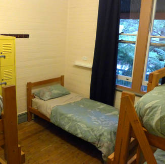 5 bed dorms