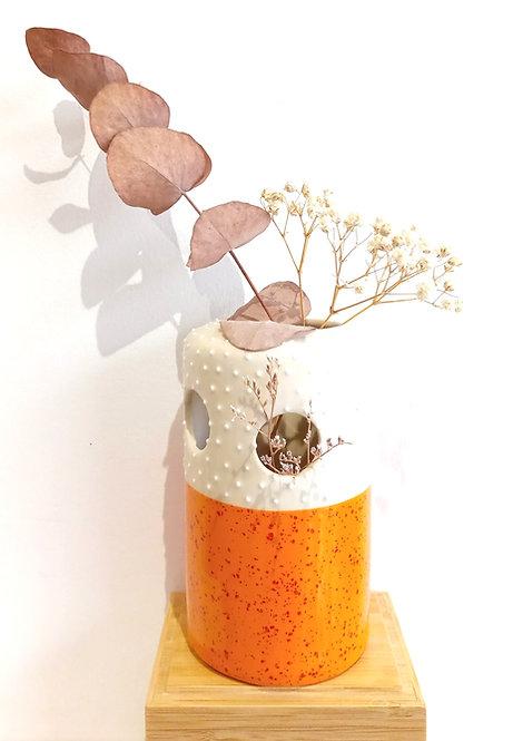 Soliflore à trous GM orange de Florence Sempé céramiste de l'Est Parisien