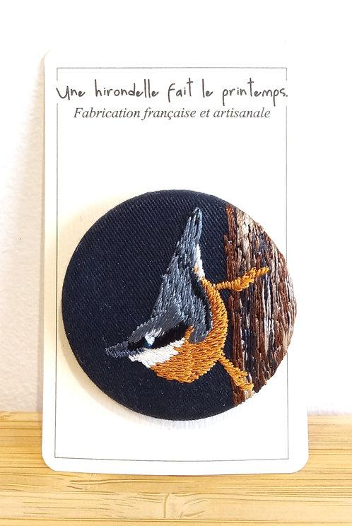 Broches brodée motif oiseau pm Une hirondelle fait le printemps