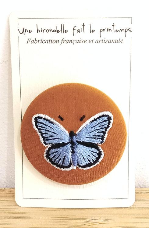 """Broches brodée """"Papillon"""" pm Une hirondelle fait le printemps"""