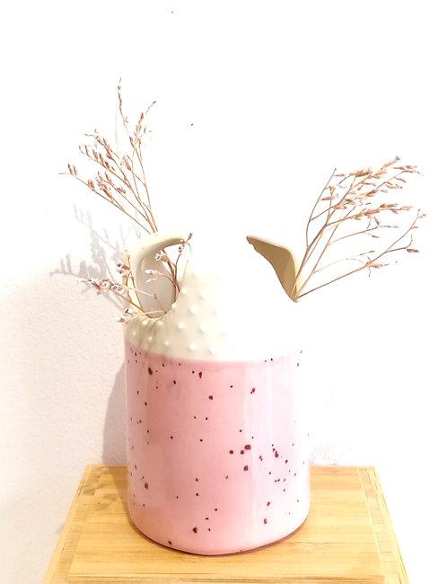 """Mini soliflore """"3 trous"""" en faïence rose et grains de riz de Florence Sempé"""