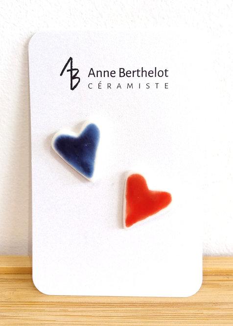 Duo de pins coeurs en porcelaine marine/rouge Anne Berthelot