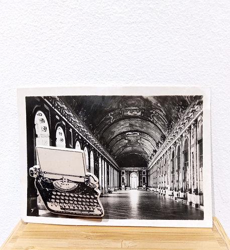 Broche en faïence représentant une ancienne machine à écrire de Stéphanie Cahorel, artiste marseillaise