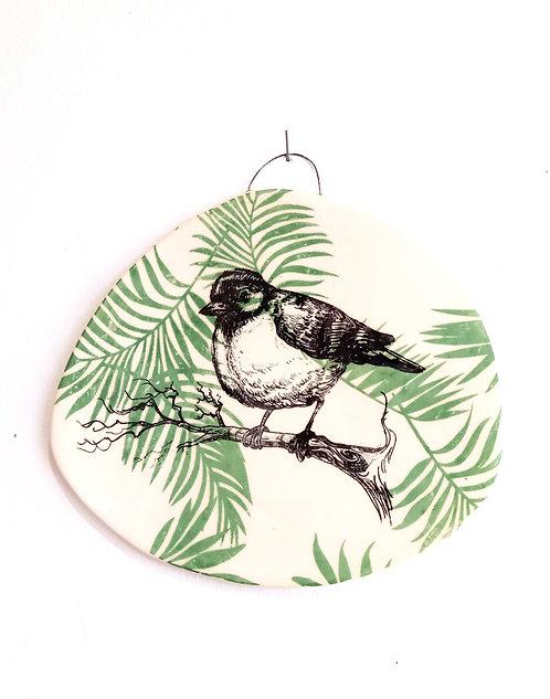 Tableau oiseau sur feuillage vert en faïence La céramique de Flo