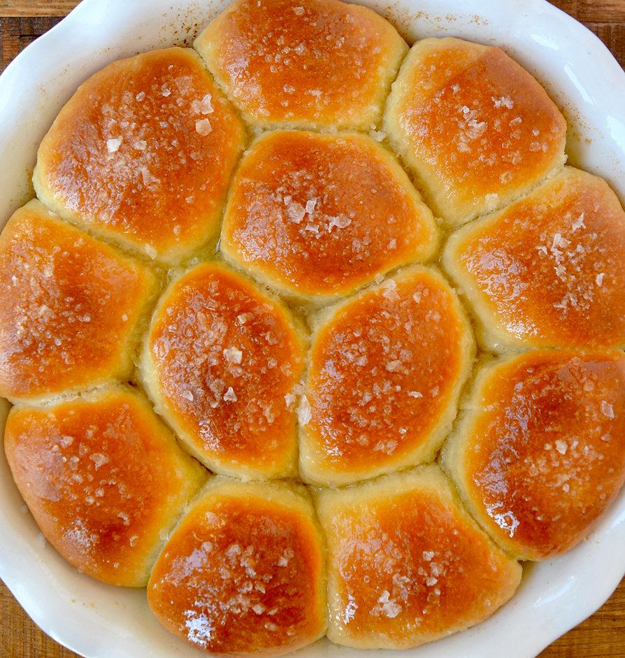 homemade-dinner-rolls-recipe.jpg