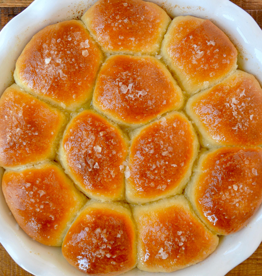 homemade-dinner-rolls-recipe.jpg