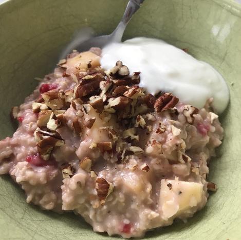 oatmeal breakfast healthy nuts