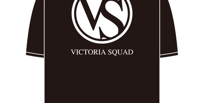 【VICTORIA SQUAD】Tシャツ-ブラック