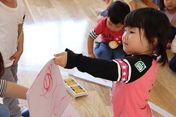 お教室でお絵かきや塗り絵、