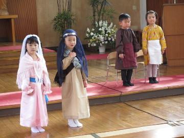 命令に従い、ヨゼフとマリアはベツレヘムに。