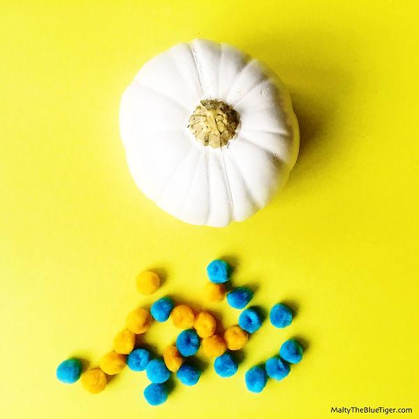 pom-pom-pumpkin-4_edited.jpg