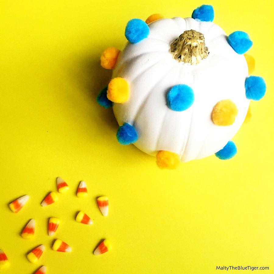 pom-pom-pumpkin-2_edited.jpg