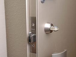 仕切りドア、トイレ、浴室のカギ開け・交換