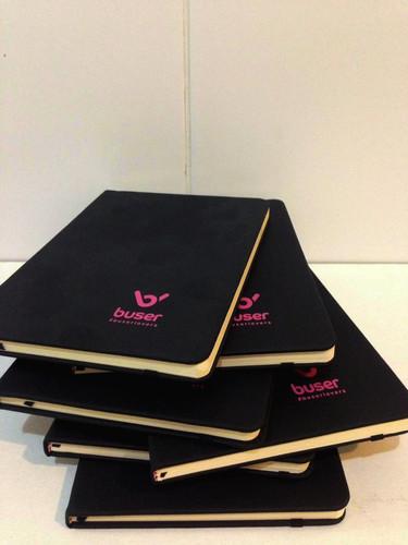 Cadernos pautados personalizados buser
