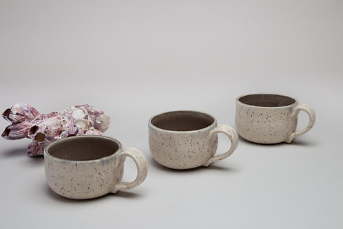 Mugs, colors very inside of mugs
