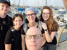 משפחת קורלנד פוקס.jpg