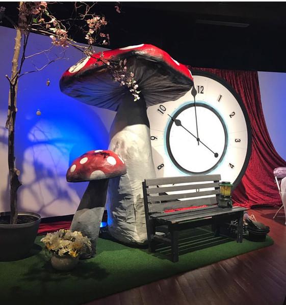 Mushroom_Stage_Set.jpg