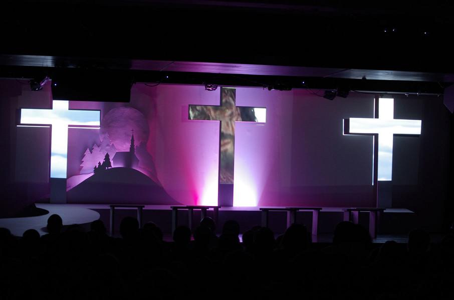 Stage_Design_Illuminated_Crosses.jpg