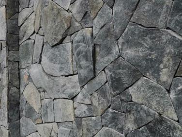 velkoformátový obklad černozelený