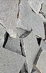 stříbrnošedý obklad