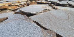 kamenna dlazba metalicka