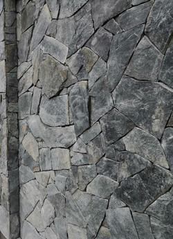velkoformatovy obklad cernozeleny (1)