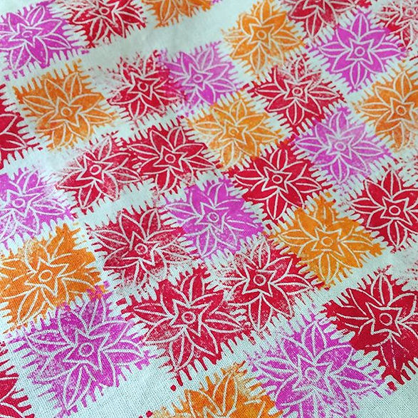 #stamping some fabric 💜💛❤️ #handprinte