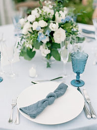 classic dusty blue and white wedding tablescape inspriation and design
