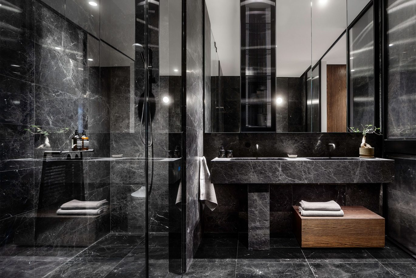Damastas Marble bathroom