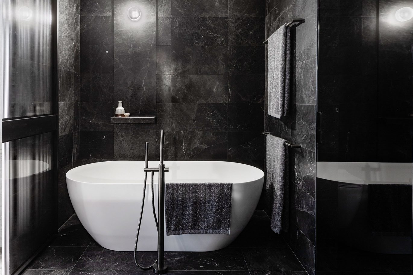 Damastas Marble Bathroom (2)