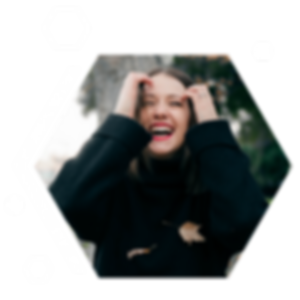 happy-girl-polygon.png