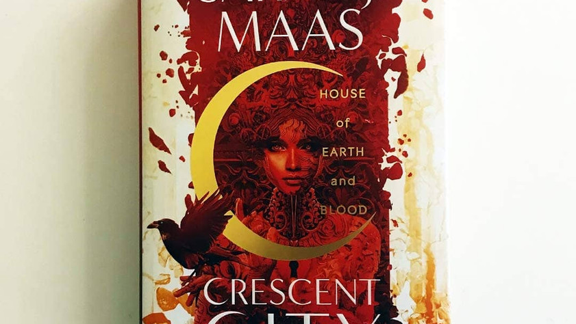 BOOK REVIEW: Crescent City: House of Earth and Blood by Sarah J Maas