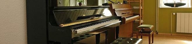 Unsere beiden Klaviere im Kuhlausaal