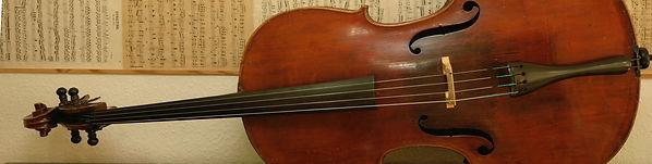 Teilansicht eines Cello oder Violoncellos