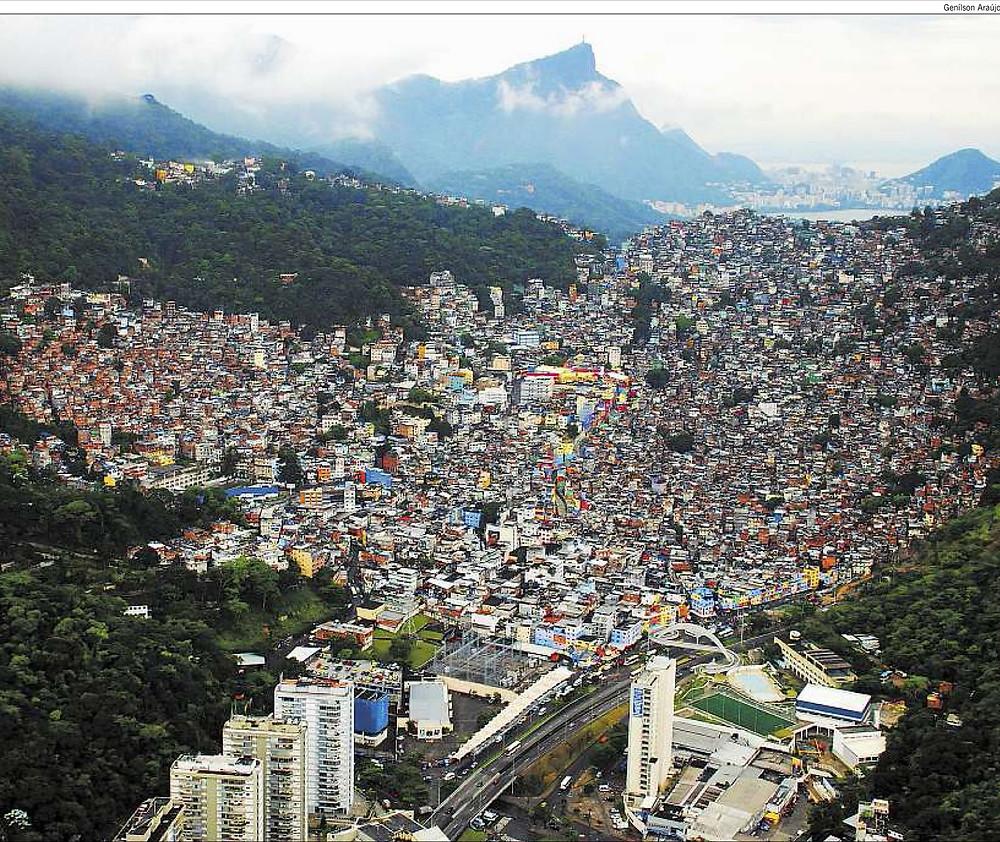 2014.Rio.rocinha-favela.general.view.2.jpg