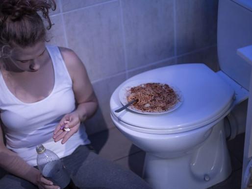 Associação entre transtornos alimentares e uso de drogas ilícitas entre universitários