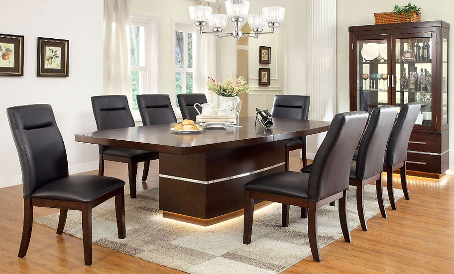 District  7pc Dining Set