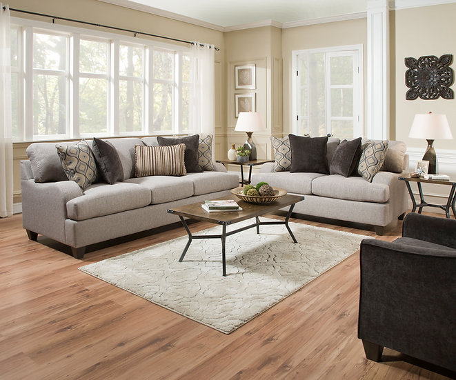 Macayla Sofa Set