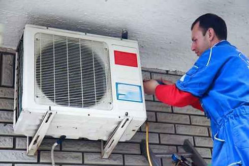 Air_conditioning_maintenance_large.jpg