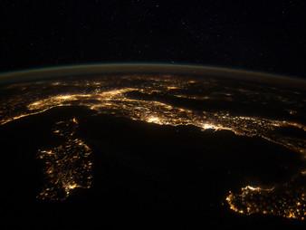 """Paisajes nocturnos  """"nightscapes"""" de las grandes ciudades desde el espacio."""