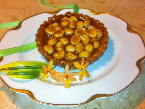 4.5'' Honey Caramel Macadamia Nut Tart