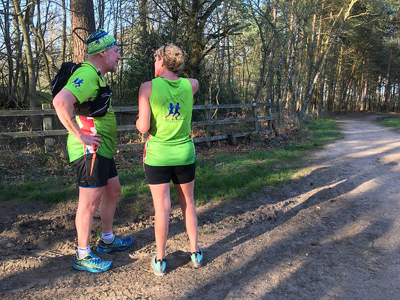 Run leaders discussing the route.