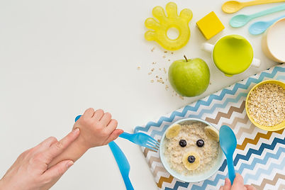oat-flakes-with-milk-for-baby.jpg